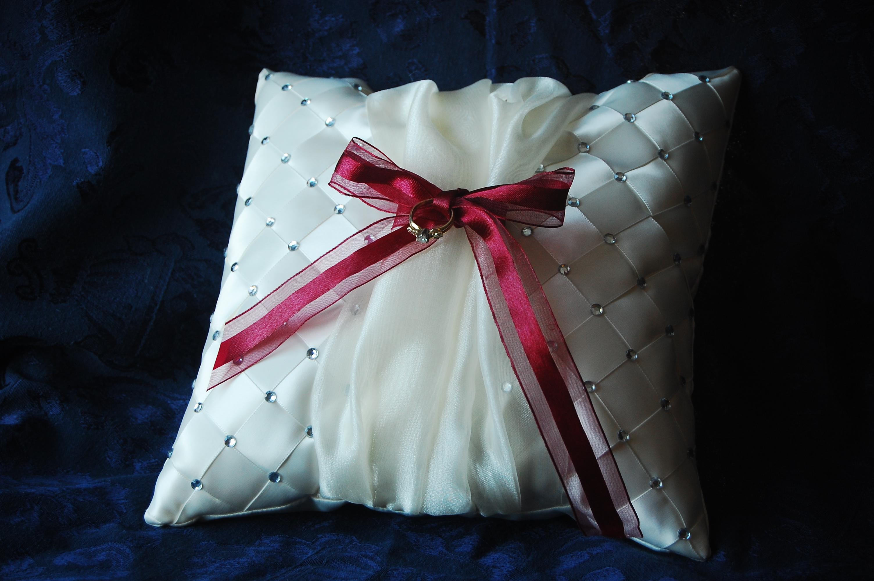 The Grocery Shrink Blog Ring Bearer Pillow Pattern and bo Pack