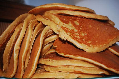 Stack of pancakes & chili 001